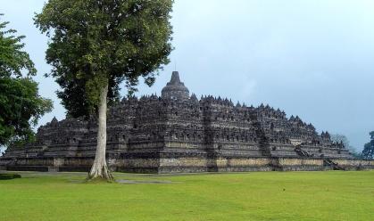 Borobudur_Northwest_View indovasi.or.id